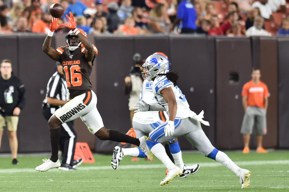 Browns wide receiver Ishmael Hyman (16) makes a catch as Lions defensive back Mike Ford (38) defends during the second half at FirstEnergy Stadium in Cleveland, Aug. 29, 2019.