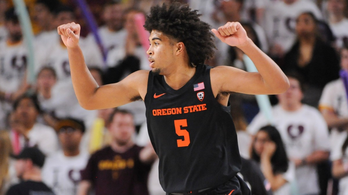 Oregon State senior guard Ethan Thompson averaged 14.8 points, 4.2 rebounds and 4.5 assists per game in 2019-20.