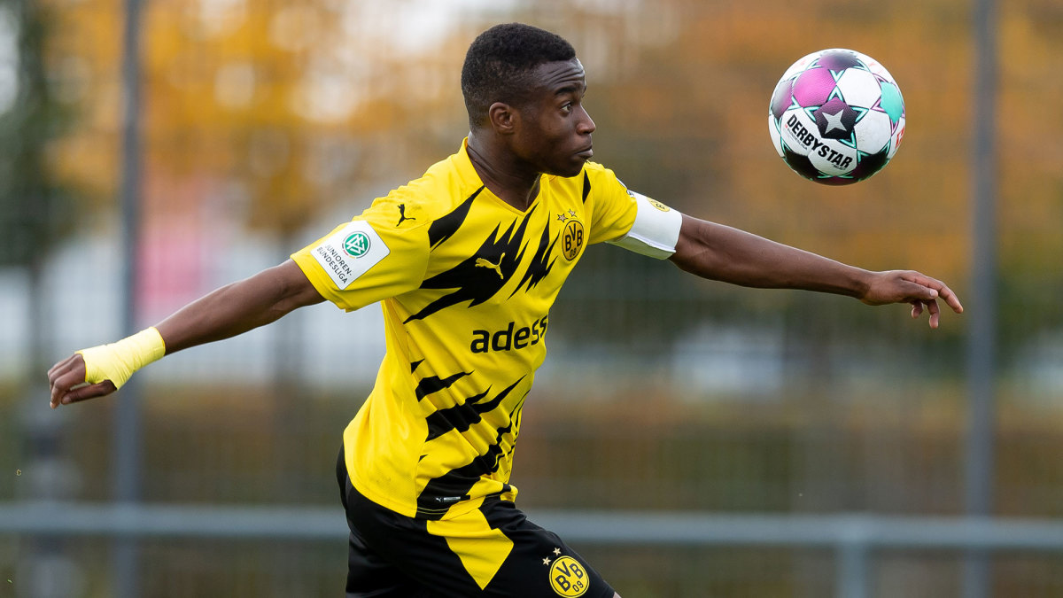 Youssoufa Moukoko can play for Dortmund once he turns 16