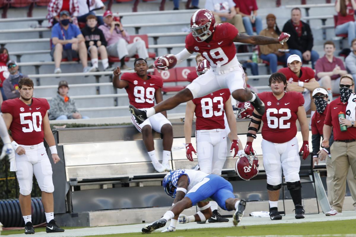 Billingsley goes airborne against Kentucky, 2020