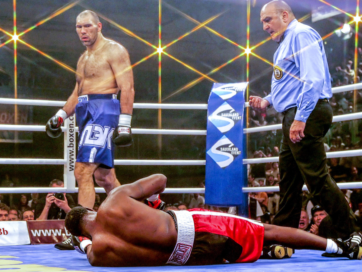 Etienne-Valuev, months before the Black Rhino was locked up, ended in a third-round KO.