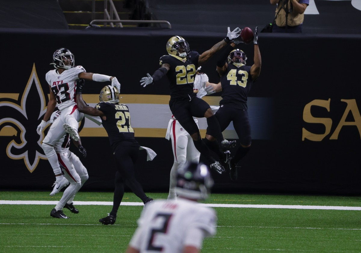 Nov 22, 2020; New Orleans, Louisiana, USA; New Orleans Saints free safety Marcus Williams (43) intercepts a pass at the end of the second quarter at the Mercedes-Benz Superdome. Mandatory Credit: