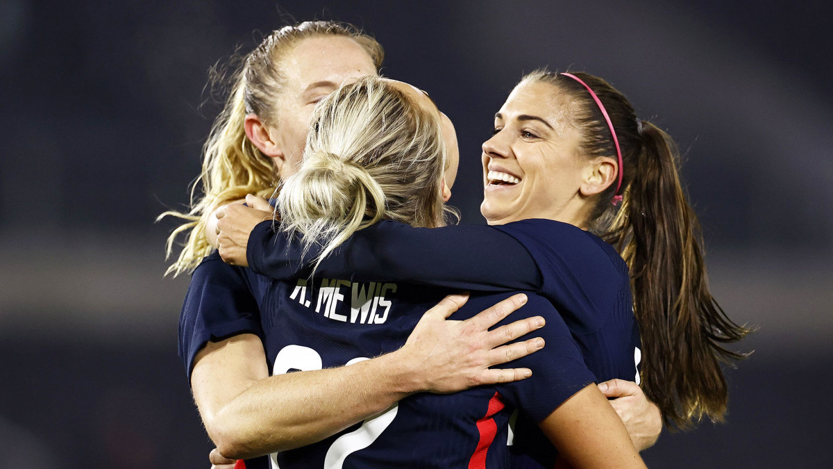 Lavelle, K. Mewis Lift USWNT Past the Netherlands
