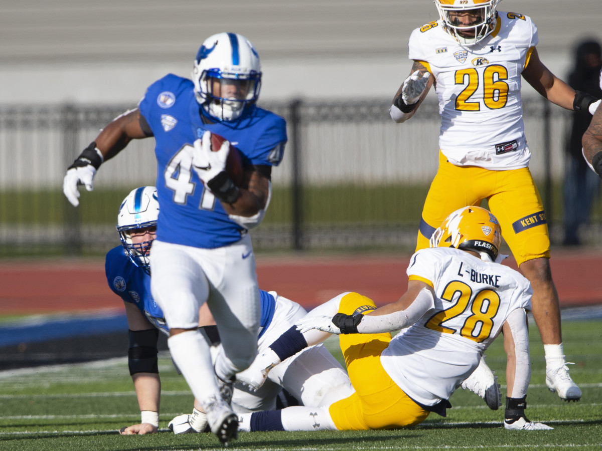 Buffalo Bulls Running Back Jaret Patterson (41) runs with the ball for a touchdown during the first half of the College Football game between Kent State Golden Flashes and the Buffalo Bulls on November 28, 2020, at UB Stadium in Amherst, NY.