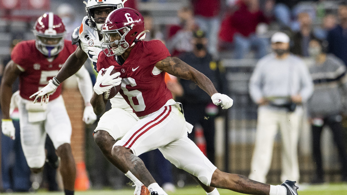 Alabama wide receiver DeVonta Smith (6) breaks free for a touchdown against Auburn at Bryant-Denny Stadium in the Iron Bowl.