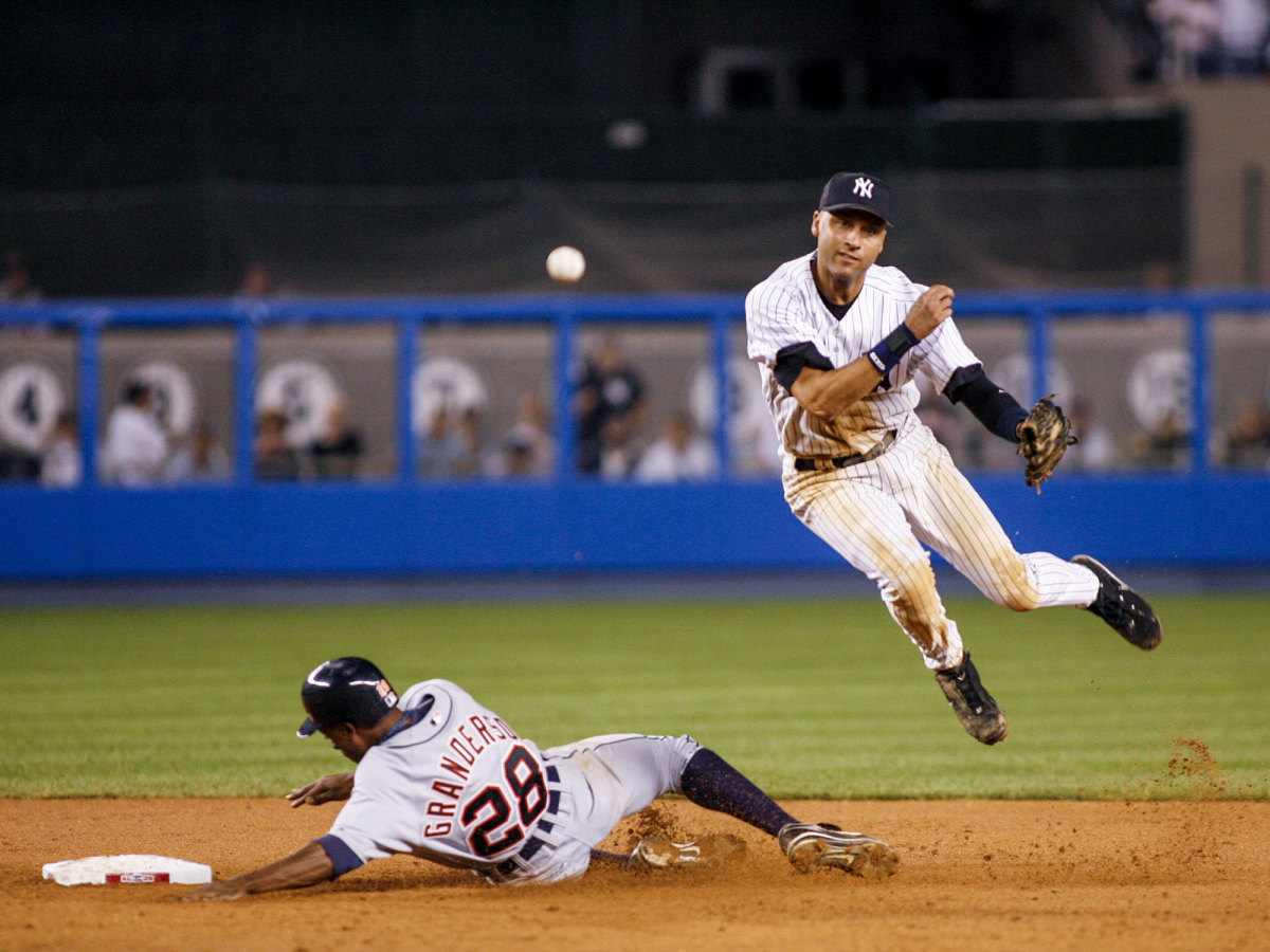Derek Jeter throwing
