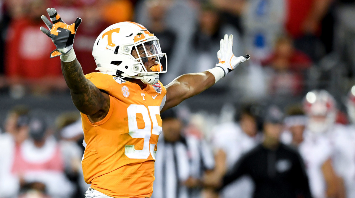 Tennessee Dismisses Linebacker Kivon Bennett Hours After Arrest
