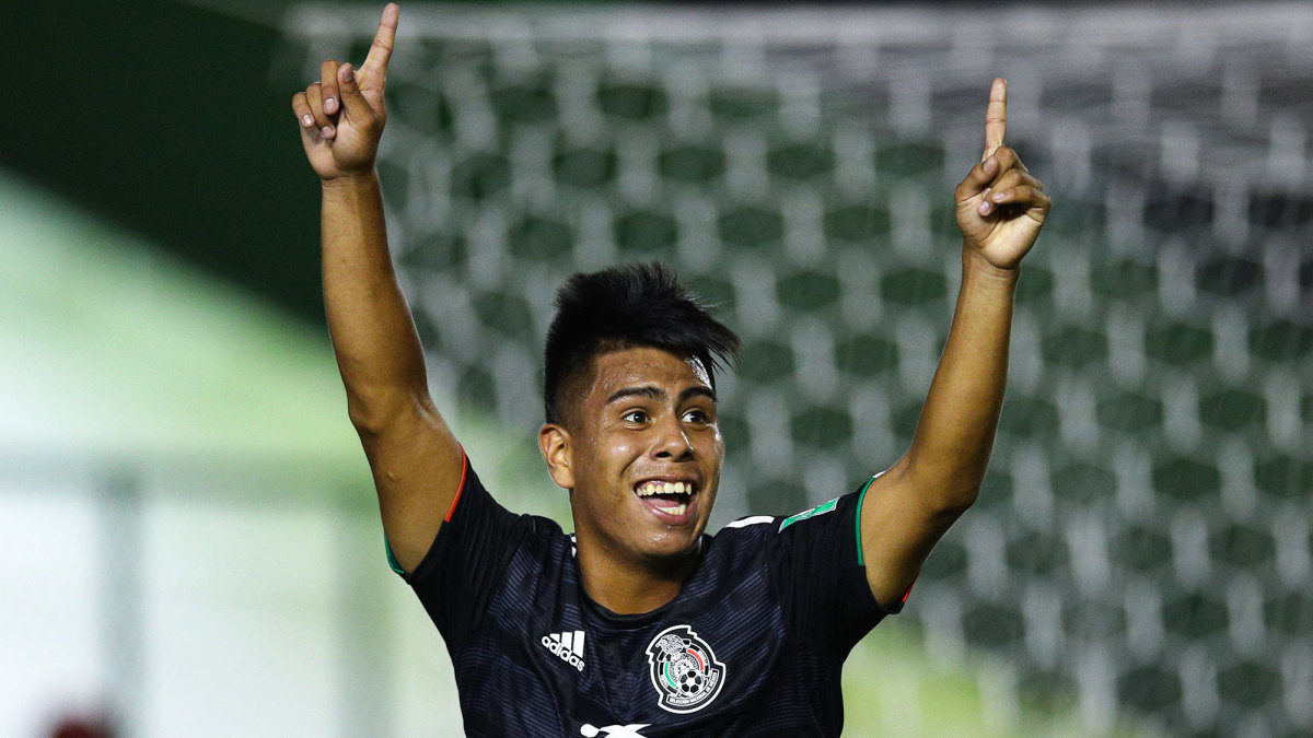 Efrain Alvarez represents Mexico at the U-17 World Cup