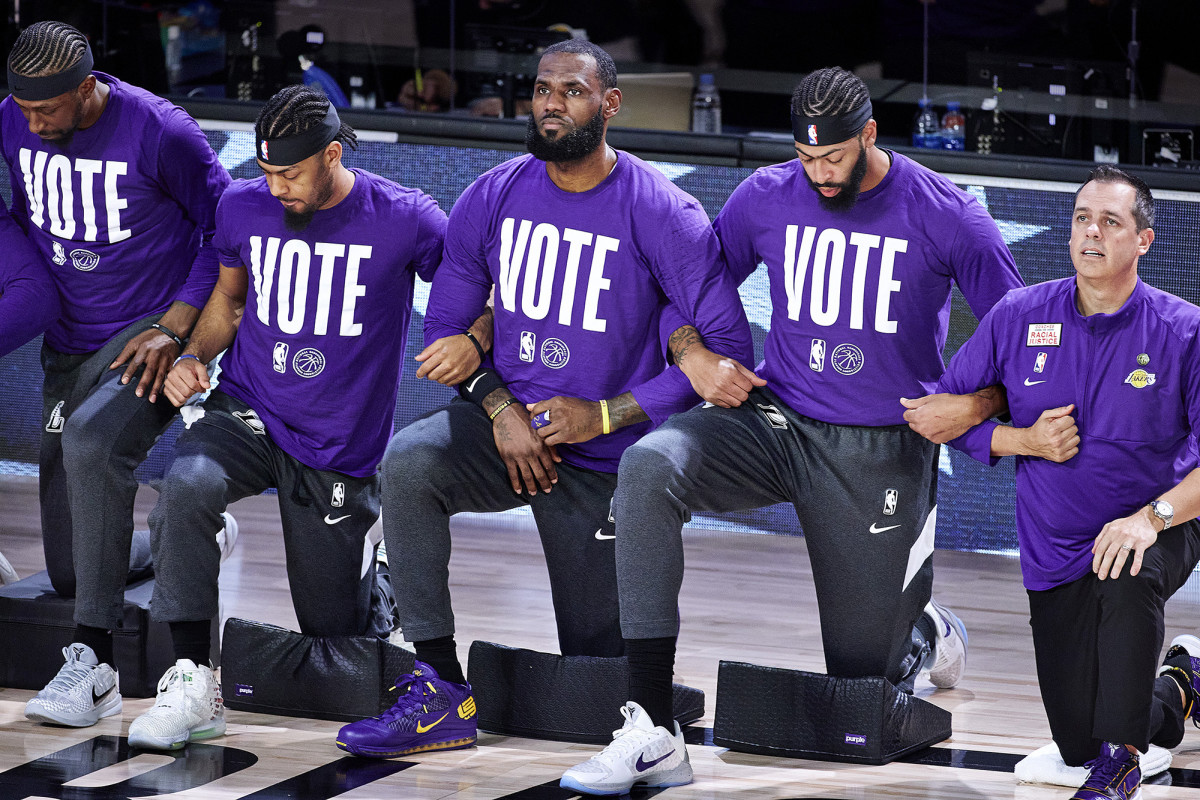 lebron-vote-arms-linked