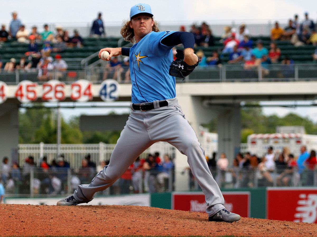 Sam McWilliams pitching