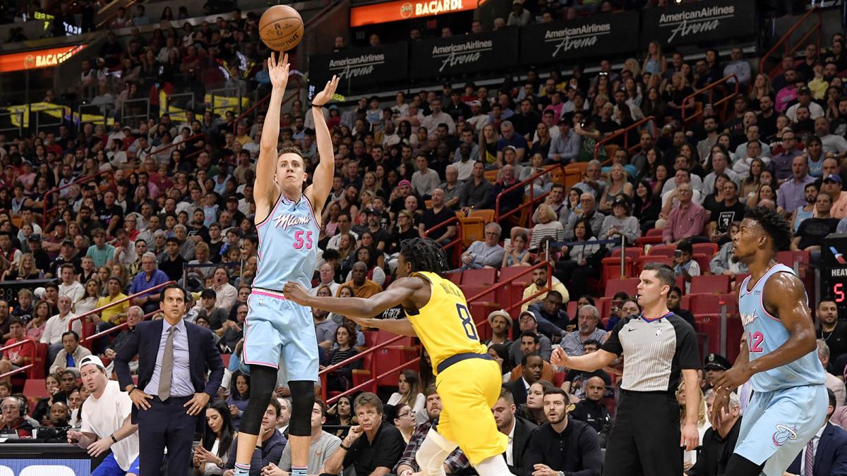 Duncan Robinson of the Miami Heat shoots