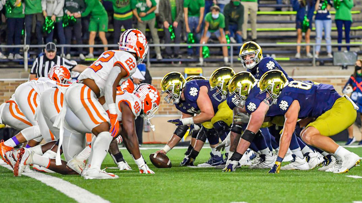 Notre Dame's offense lines up vs. Clemson in a November game