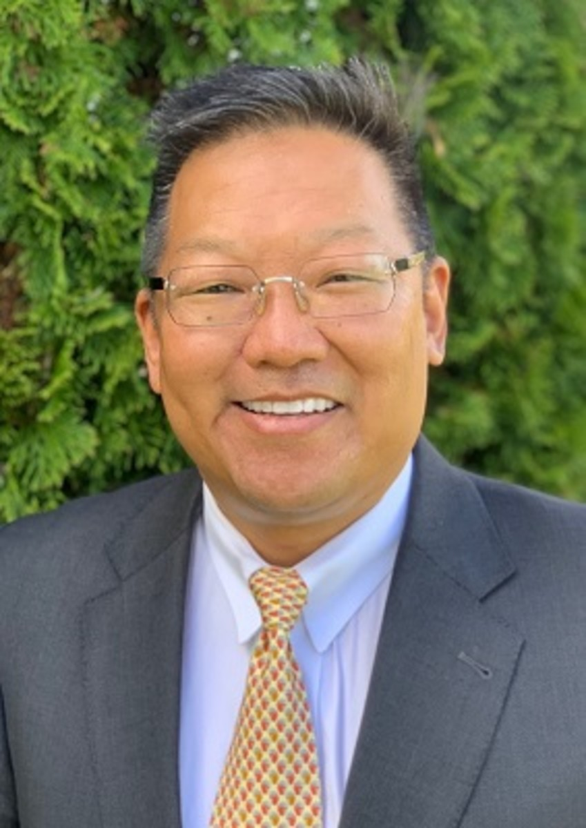 Dr. Michael Suk, Professor of Orthopaedic Surgery and Chair of the Musculoskeletal Institute at Geisinger Health System in Danville, PA