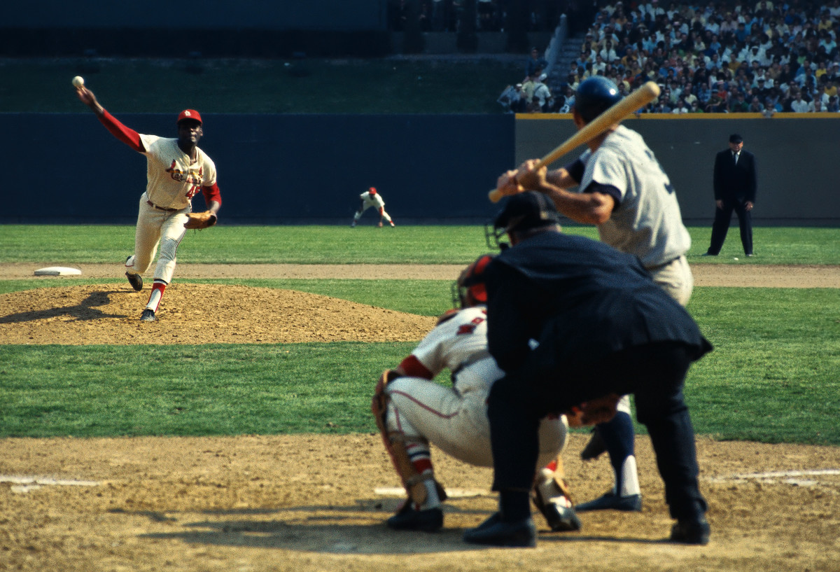 Gibson against the Tigers in October 1968.