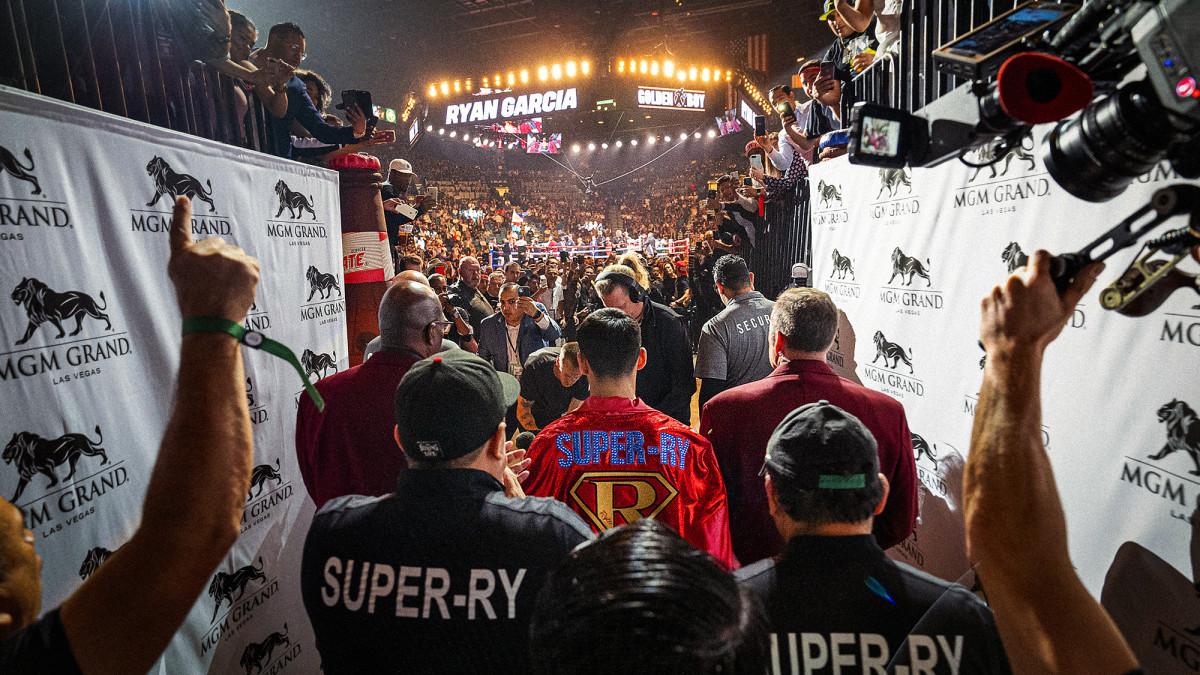 Garcia's quick dismissal of Duno drew a crowd to Vegas.