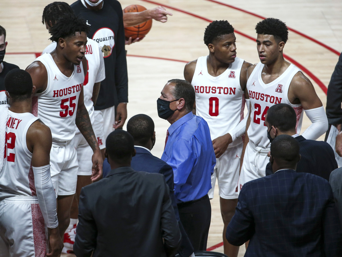 Nov 27, 2020; Houston, Texas, USA; Houston Cougars head coach Kelvin Sampson talks during a timeout during the first half against the Boise State Broncos at Fertitta Center.