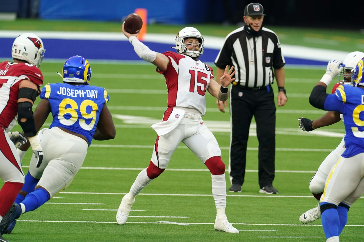 Arizona Cardinals quarterback Chris Streveler (15) throws the ball in the fourth quarter against the Los Angeles Rams at SoFi Stadium. The Rams defeated the Cardinals 18-7.