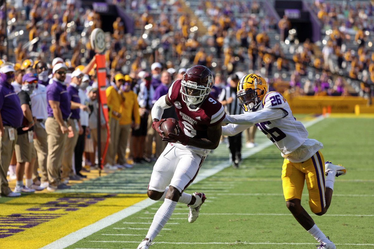 Tyrell Shavers, No. 9, scores a touchdown against LSU in the 2020 season opener. (Photo courtesy Derick E. Hingle-USA TODAY Sports)
