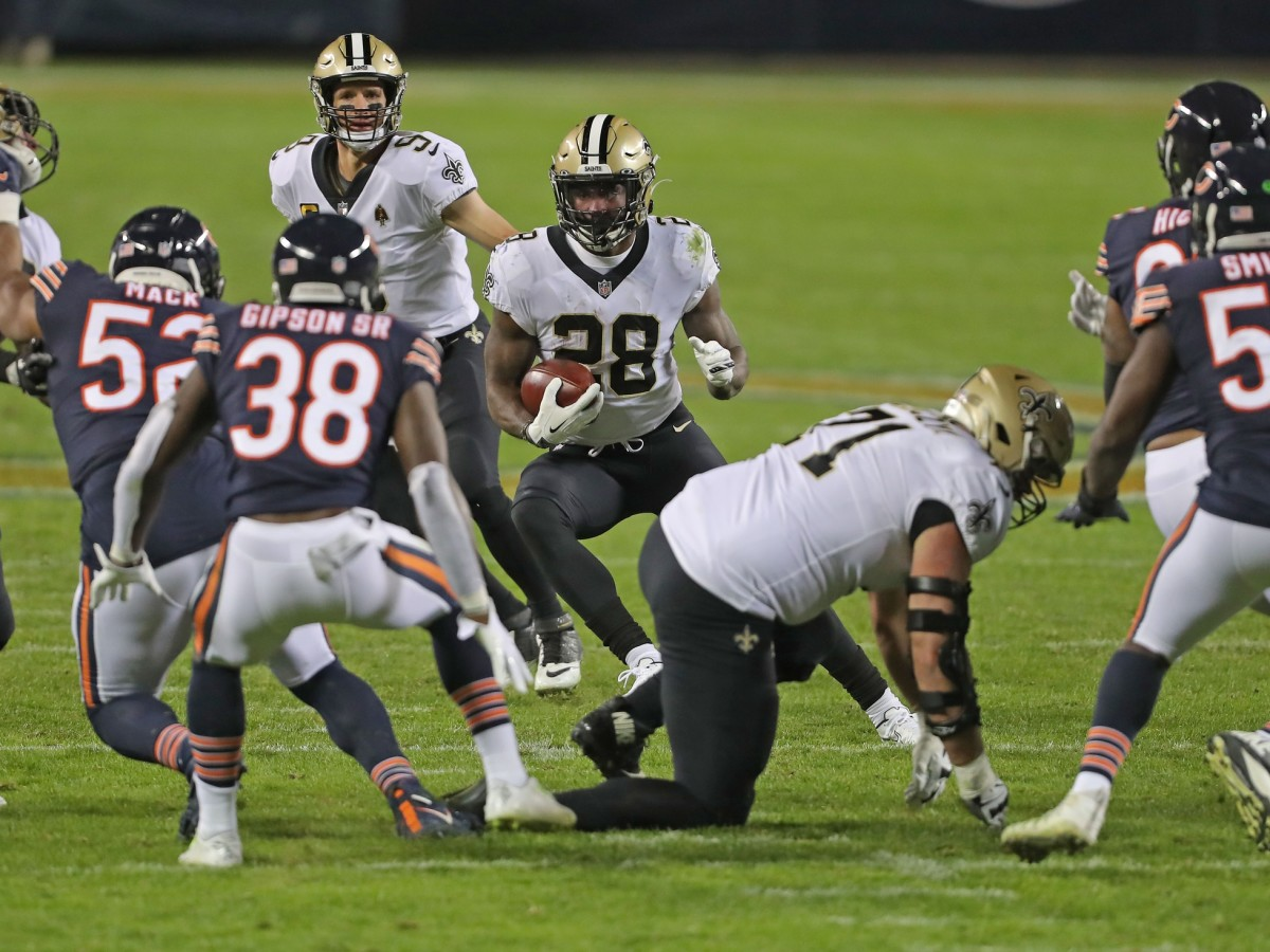 Nov 1, 2020; Chicago, Illinois, USA; New Orleans Saints running back Latavius Murray (28) runs with the ball during the second half against the Chicago Bears at Soldier Field. Mandatory Credit: Dennis Wierzbicki-USA TODAY Sports
