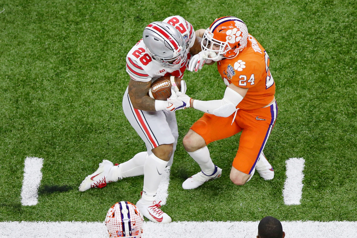 Miyan Williams sheds a Clemson Tiger tackle in the Sugar Bowl.