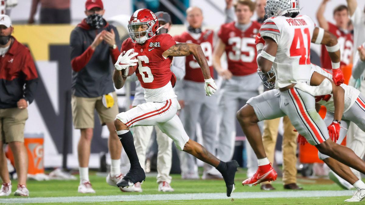 Alabama WR DeVonta Smith runs vs. Ohio State
