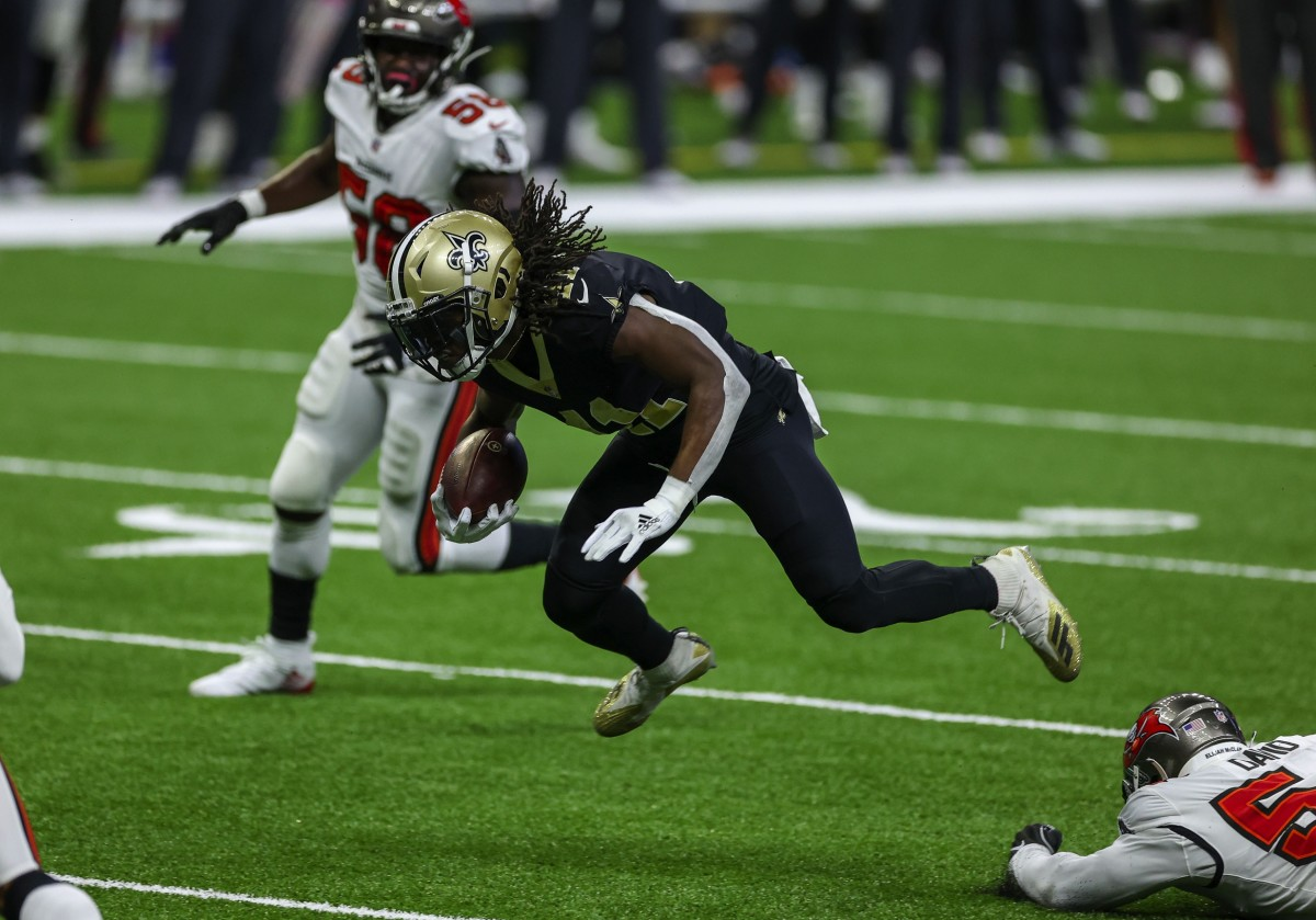Sep 13, 2020; New Orleans, Louisiana, USA; New Orleans Saints running back Alvin Kamara (41) runs against the Tampa Bay Buccaneers during the first quarter at the Mercedes-Benz Superdome. Mandatory Credit: Derick E. Hingle-USA TODAY Sports