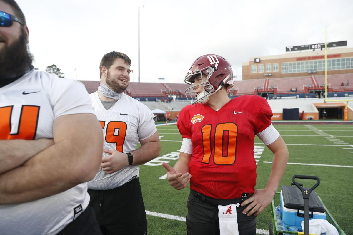 Mac Jones / Landon Dickerson, 2021 Reese's Senior Bowl Practice, January 27, 2021