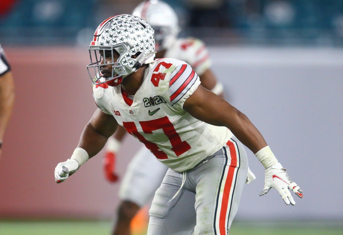 Ohio State Buckeyes linebacker Justin Hilliard (47) against the Alabama Crimson Tide in the 2021 CFP National Championship Game.