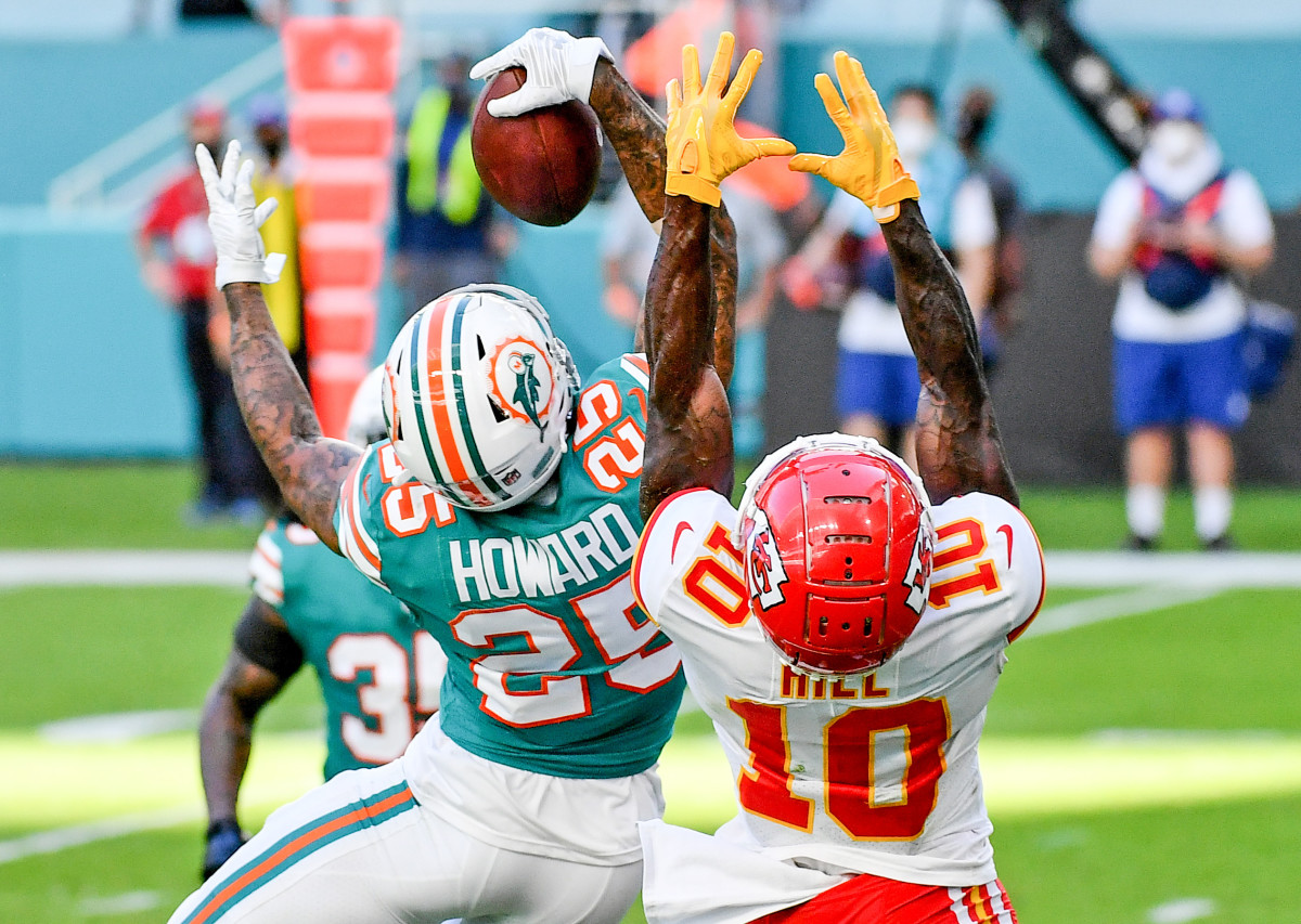 Howard hauled in a rare souvenir in Miami—all it entailed was an unworldly one-handed grab.