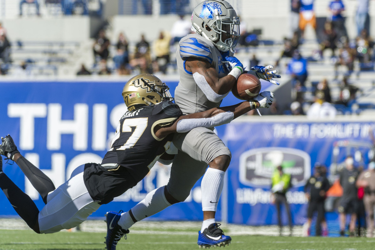 Richie Grant (27) knocks the ball loose versus the Memphis Tigers.Mandatory Credit: Justin Ford-USA TODAY Sports