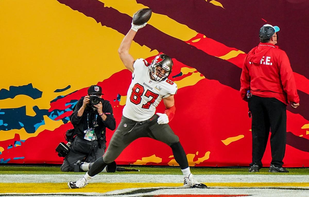 Rob Gronkowski celebrates the first touchdown of Super Bowl LV