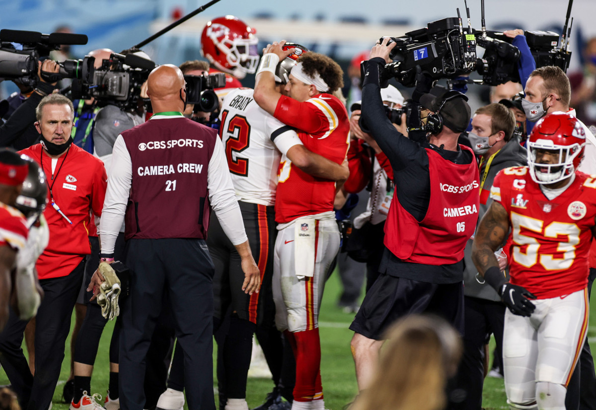 Tom Brady and Patrick Mahomes post-game embrace after Super Bowl LV