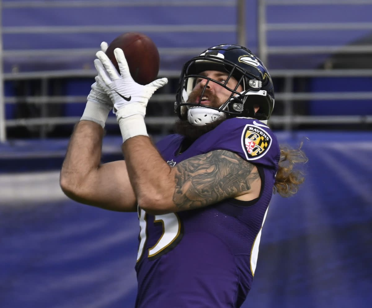 Ravens Re-Sign Tight End Eric Tomlinson to 1-Year Deal thumbnail