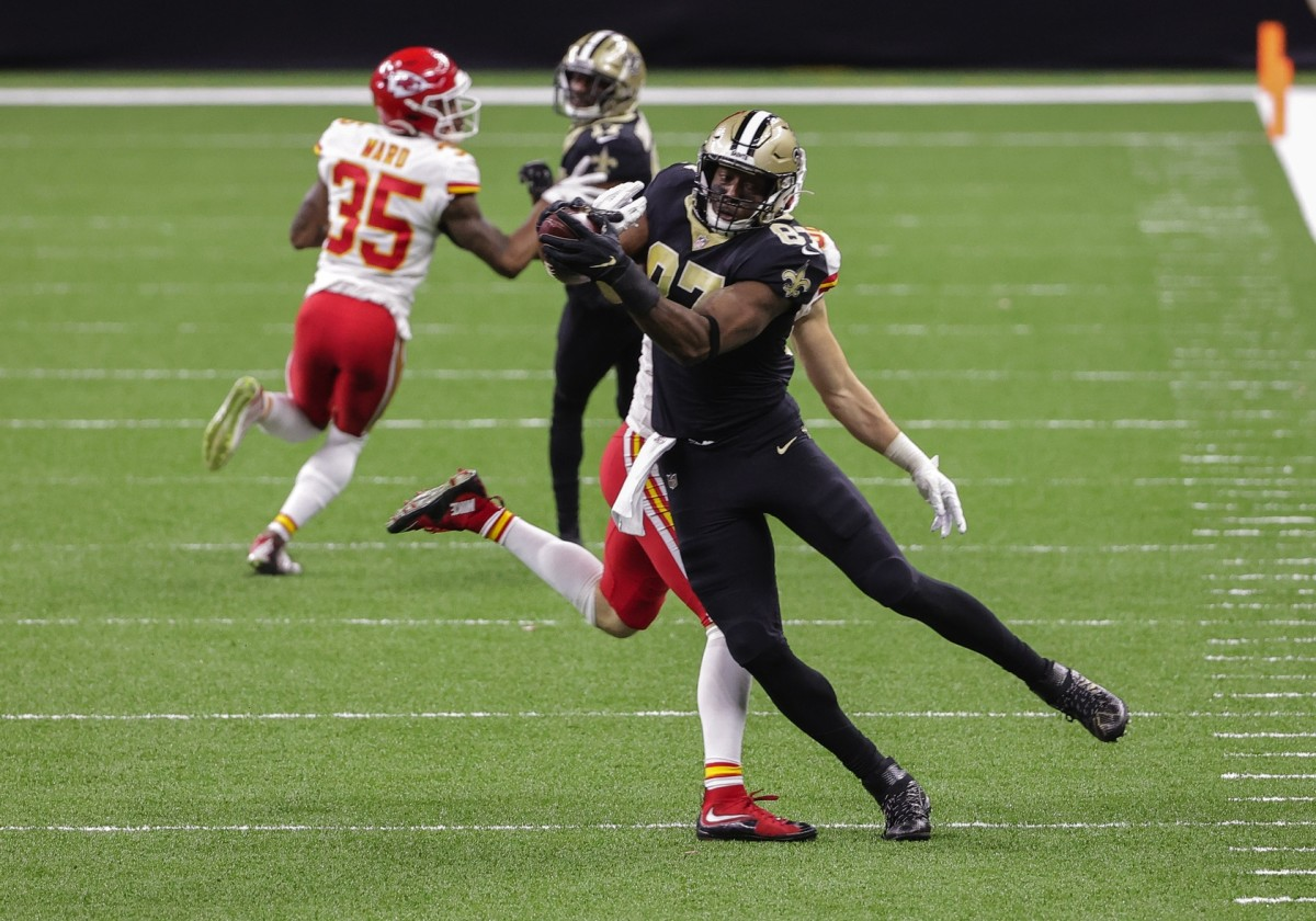Dec 20, 2020; New Orleans, Louisiana, USA; Saints tight end Jared Cook (87) catches a pass against the Chiefs at the Mercedes-Benz Superdome. Mandatory Credit: Derick E. Hingle-USA TODAY