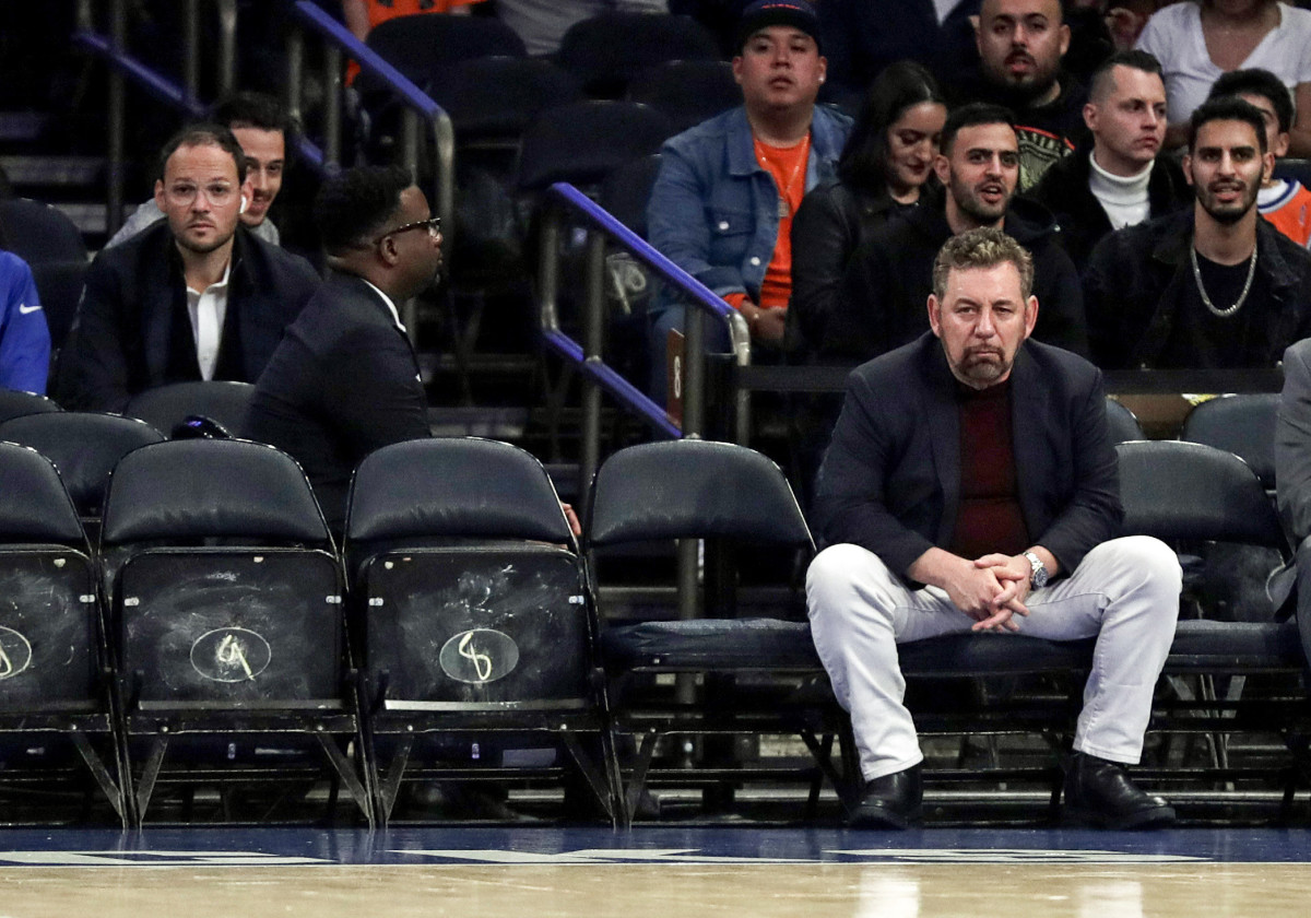New York has the NBA's worst winning percentagesince '00, coinciding with Dolan's reign.