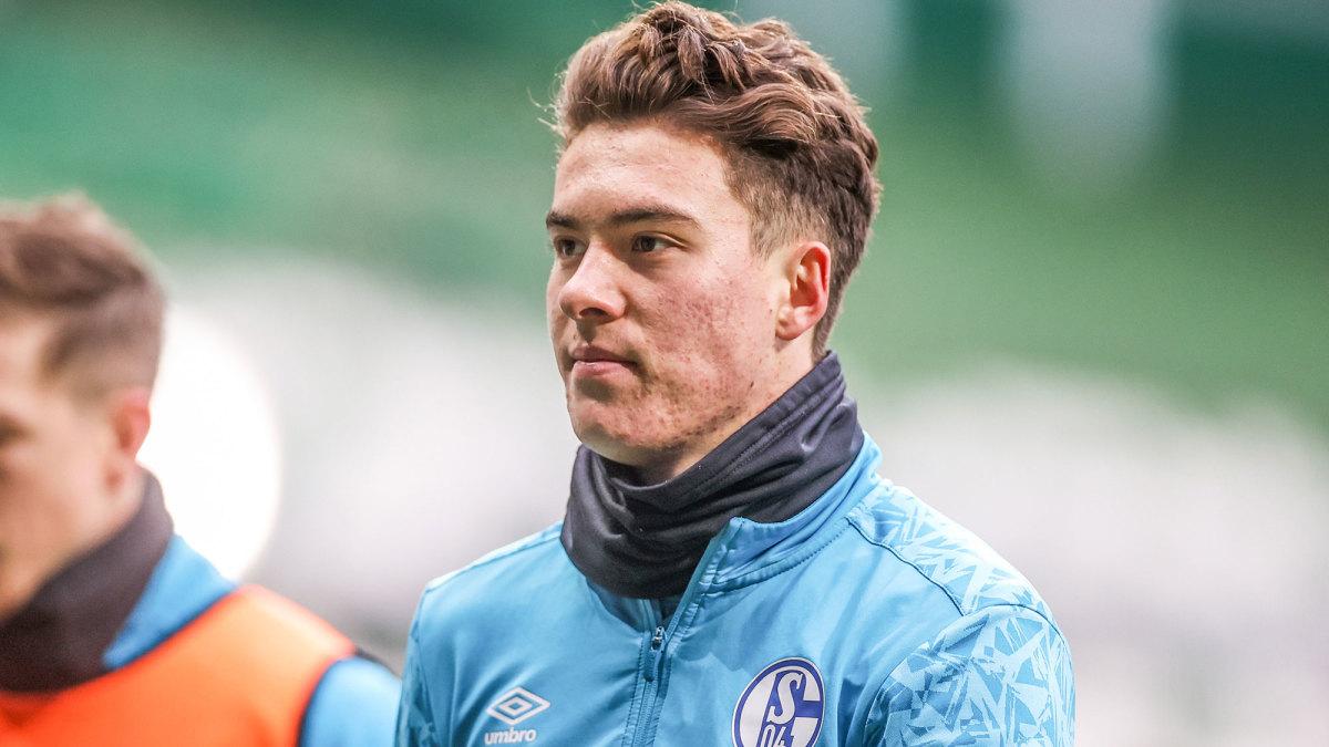 Schalke and U.S. forward Matthew Hoppe
