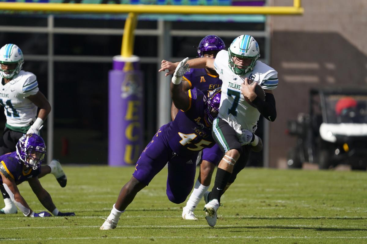 Tulane quarterback Michael Pratt