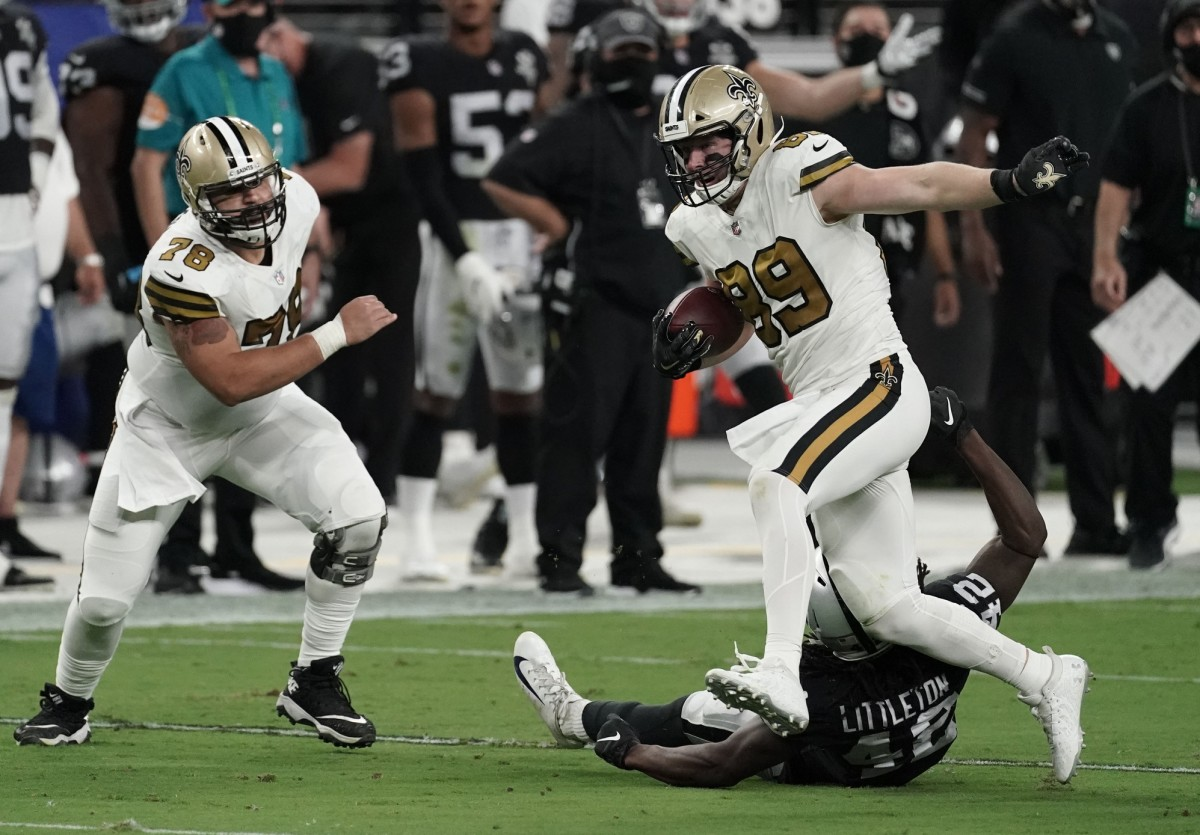 Sep 21, 2020; Paradise, Nevada, USA; New Orleans tight end Josh Hill (89) runs the ball against the Raiders at Allegiant Stadium. Mandatory Credit: Kirby Lee-USA TODAY