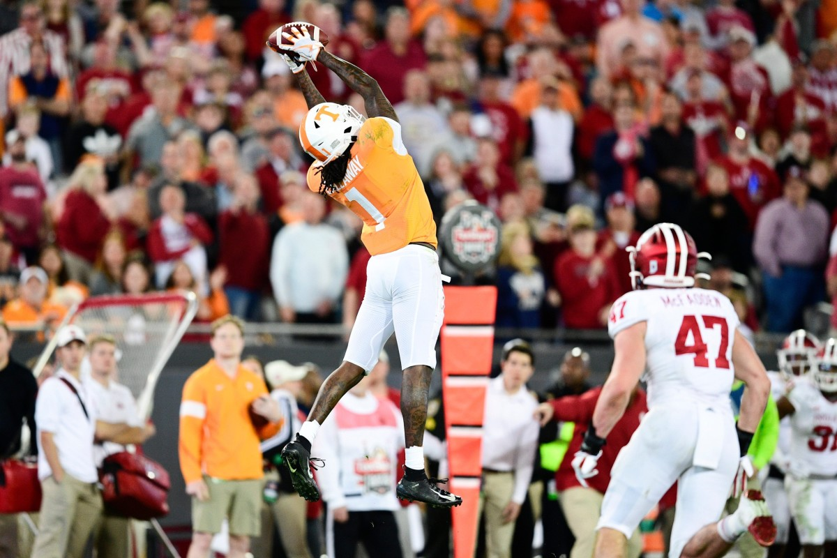 Tennessee wide receiver Marquez Callaway (1) catches a pass during the Gator Bowl game between Tennessee and Indiana in Jacksonville, Fla., Jan. 2, 2020.© Calvin Mattheis/News Sentinel, Knoxville News Sentinel via Imagn Content Services, LLC