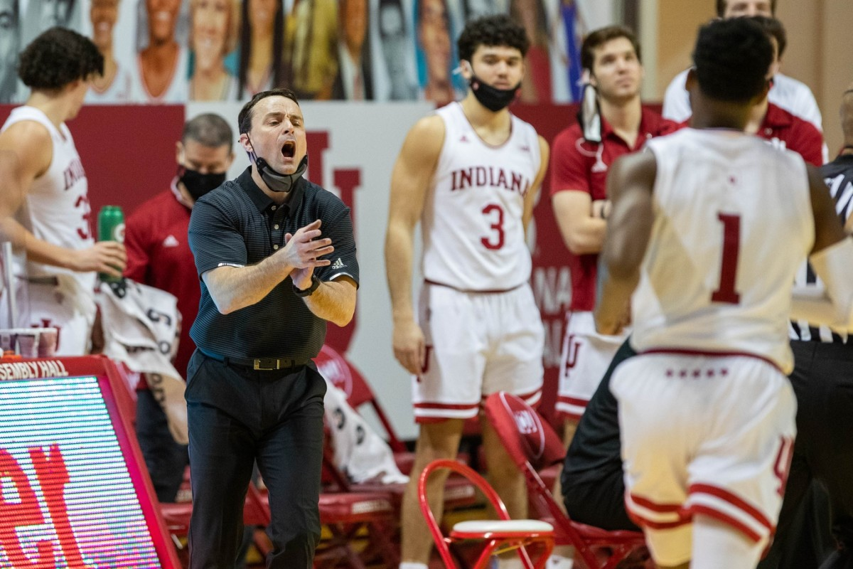 Indiana coach Archie Miller shouts instructions to Indiana guard Al Durham (1) during the Hoosiers' 78-71 loss to Michigan State. (USA TODAY Sports)