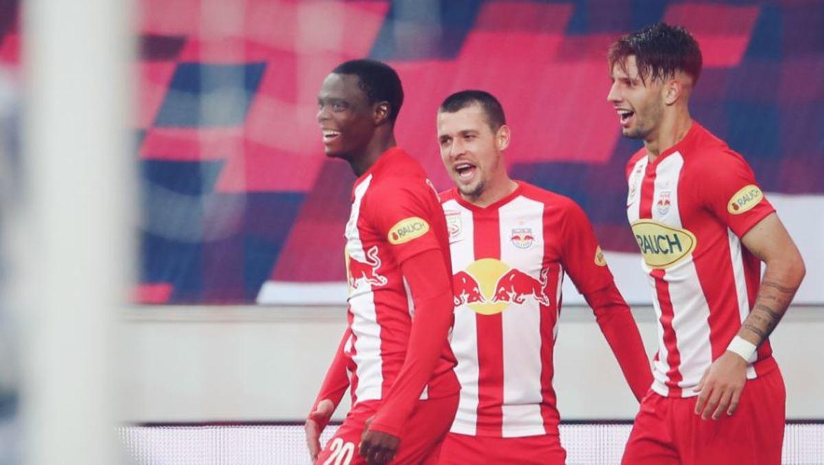 Patson Daka celebrating a goal for RB Salzburg