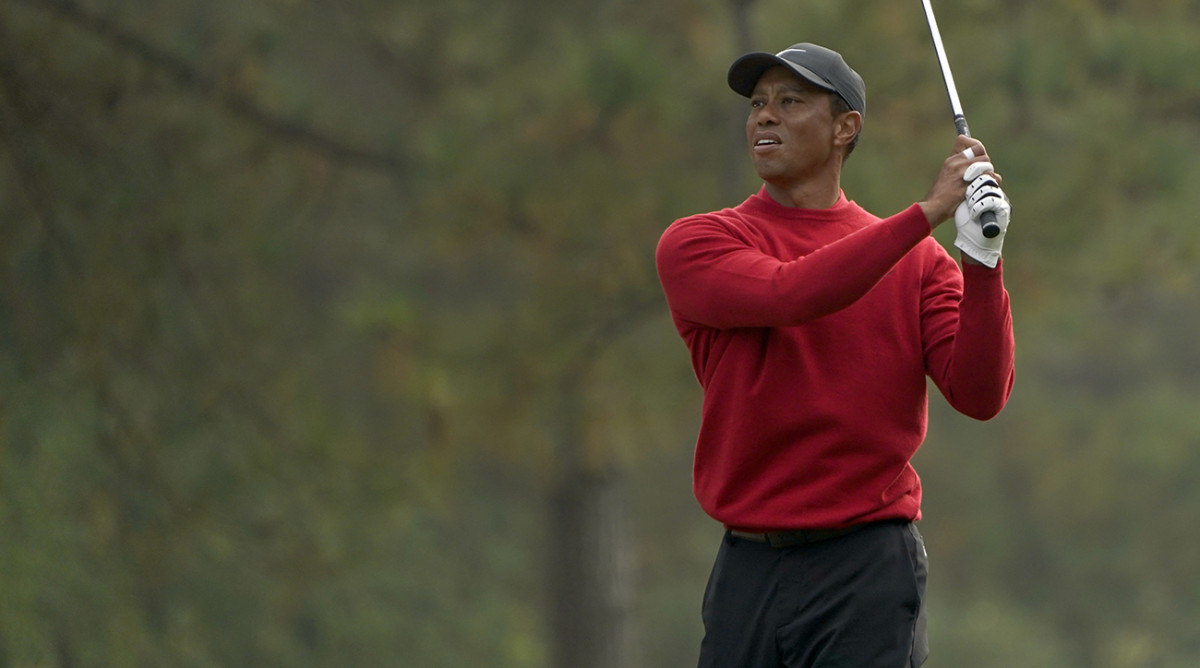 Rory McIlroy Among Golfers to Wear Red Shirt, Black Pants in Honor of Tiger Woods on Sunday