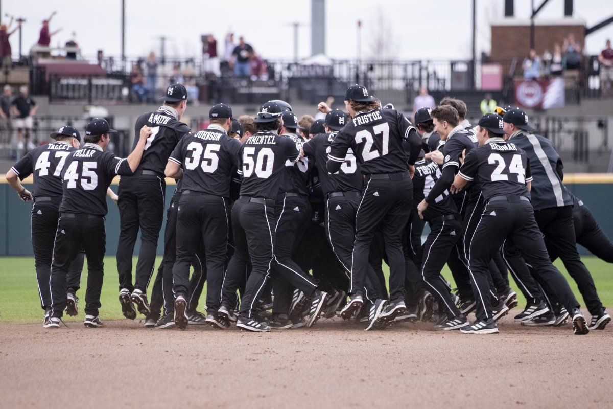 Mississippi State celebrates after Tanner Allen's walk off, two-run single on Sunday. MSU beat Tulane 5-4. (Photo courtesy of Mississippi State athletics)
