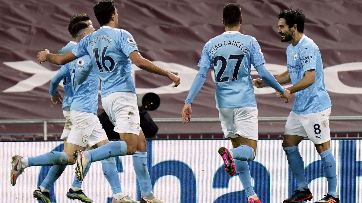 Manchester City celebrates Ilkay Gundogan's goal vs. Liverpool