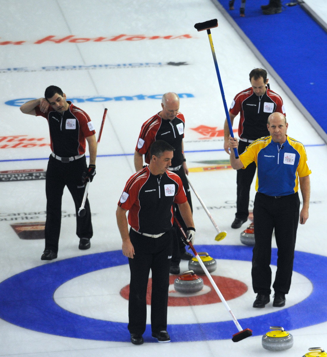Middaugh versus Martin in 2013 • Michael Burns-Curling Canada