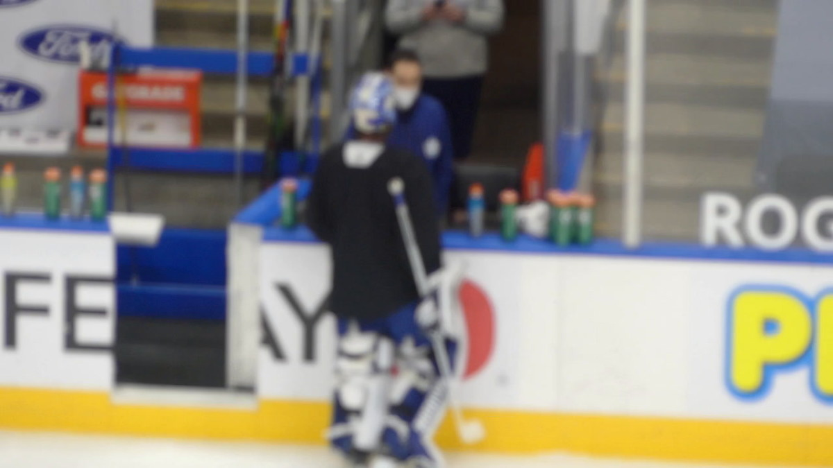 Campbell in discussions with Leafs staff on the bench