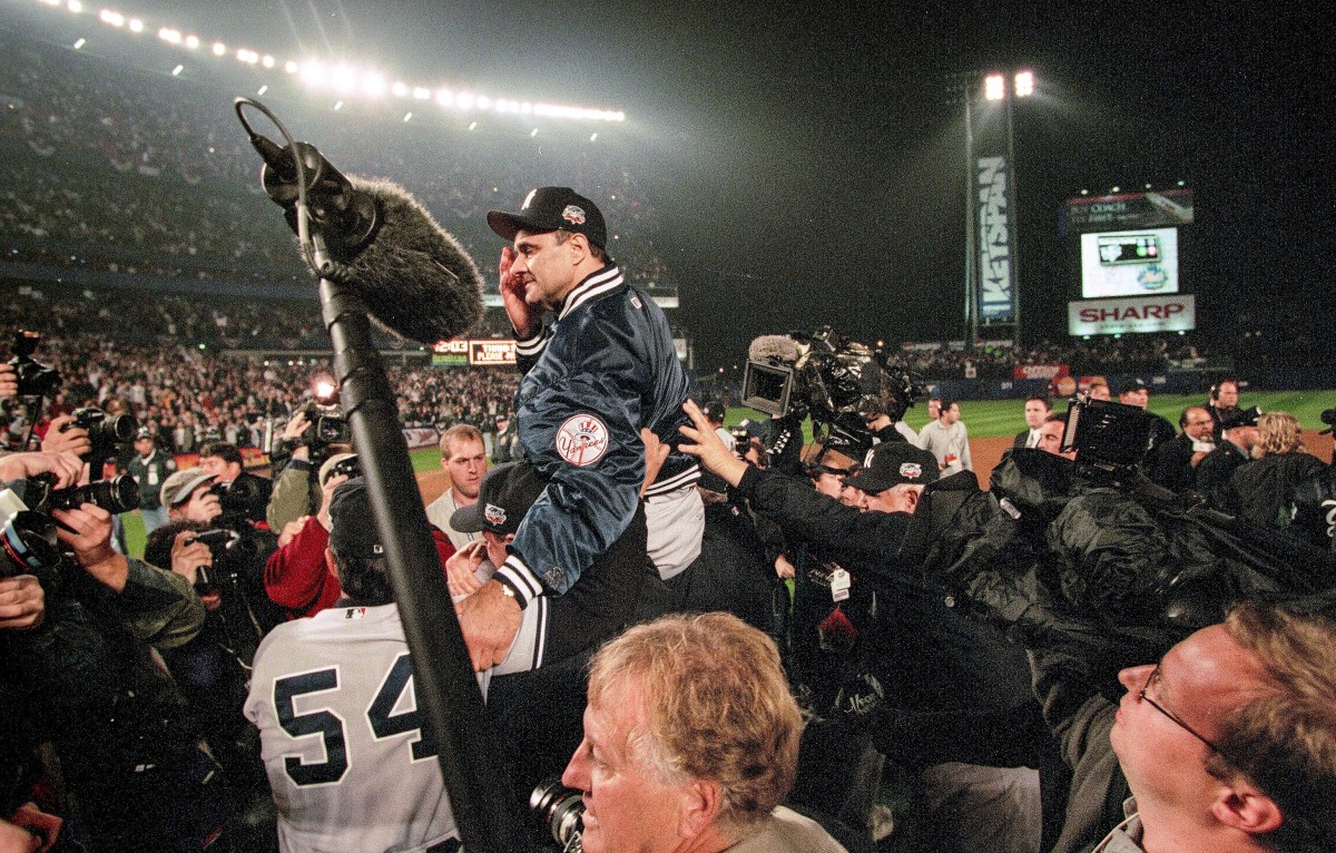 Piazza versus Clemens saw no victor. The series was a quick Yankees win.