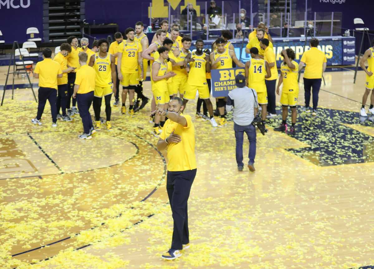 Michigan coach Juwan Howard celebrates after clinching the Big Ten championship with a 69-50 win over Michigan State on Thursday, March 4, 2021, at the Crisler Center.