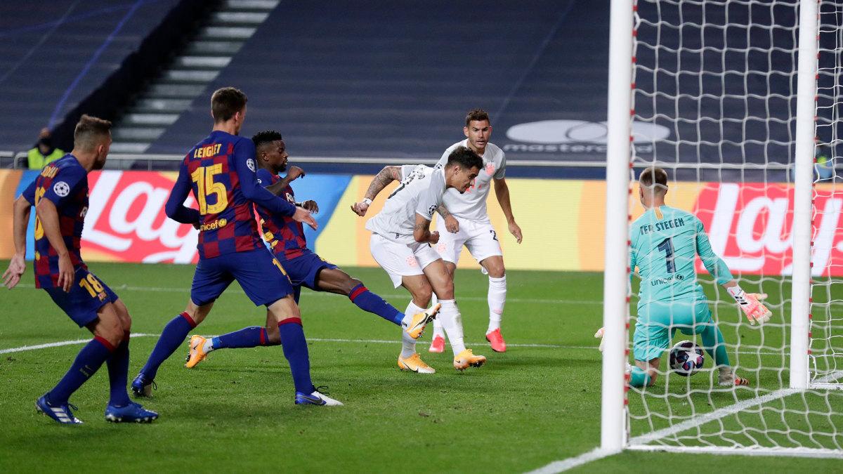 Philippe Coutinho scores vs. Barcelona