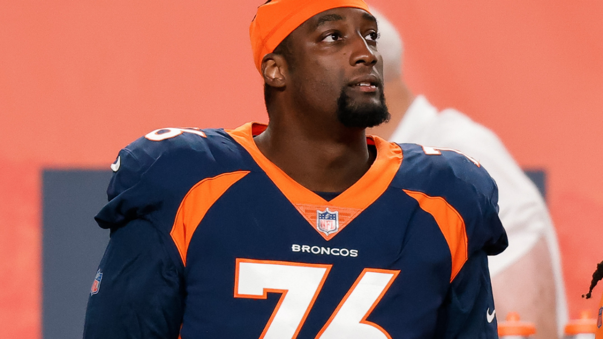 Denver Broncos offensive tackle Calvin Anderson (76) in the fourth quarter against the Tennessee Titans at Empower Field at Mile High.